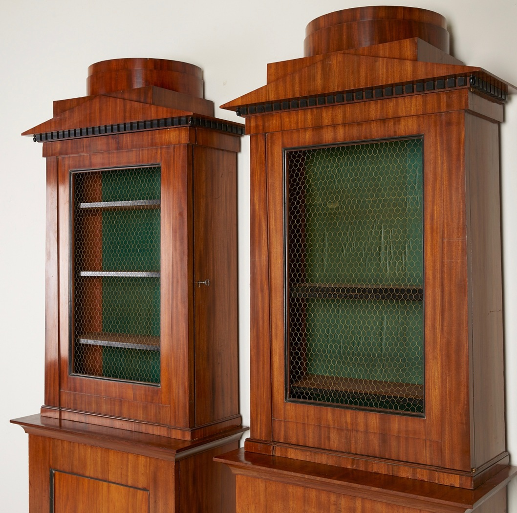 Pair of Swedish cabinets, ca 1810 - Image privacy
