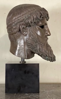 A large bronce head after the antique. Signed fuse Marinelli Firenze. 20th c - Image 1