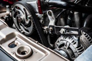 Auton moottorin osia