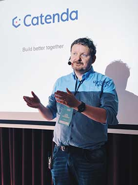 Dag Fjeld Edvardwsen pitching at Urbantech