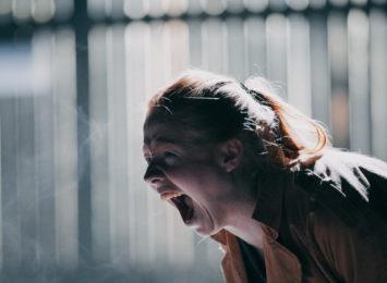 Korleis skal ho klare å leve med redsla for at det same skal skje med henne sjølv og hennar barn?