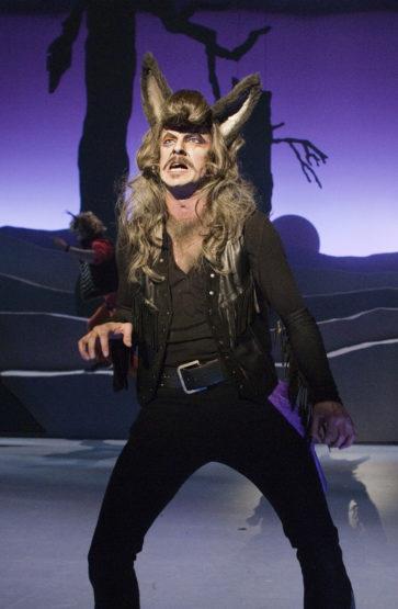 Som sjølvaste Rockeulven på Trøndelag Teater i 2011, ei rolle han også spelte på Nationaltheatret. Foto: GT Nergaard