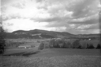Foto av Groruddalen frå ca. 1900, før utbygginga starta. Foto: Jørgen Bull/Oslo Museum
