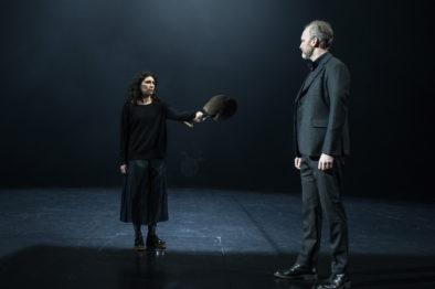 i Antigone spelte Jon rolla som Kong Kreon. Her saman med Sara Khorami som spelte tittelrolla.