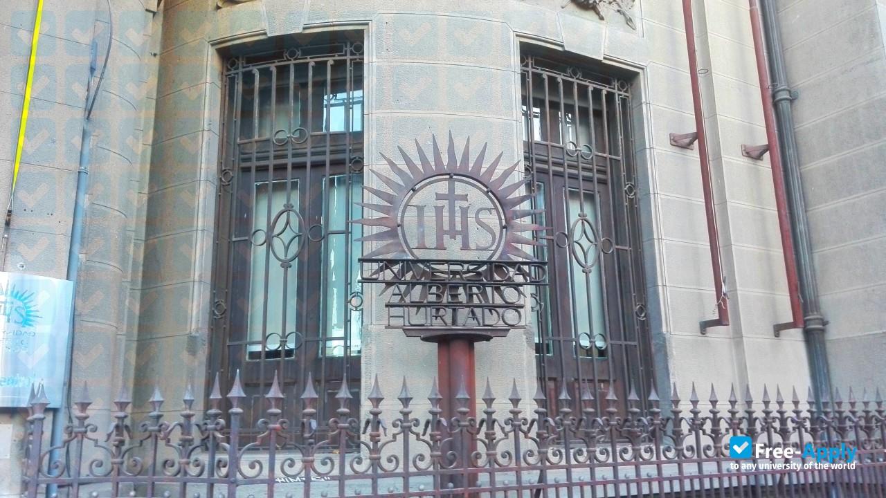 Alberto Hurtado University