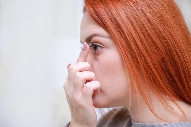 Kuukausilinssit tuovat säästöä säännöllisesti piilolinssejä käyttävälle