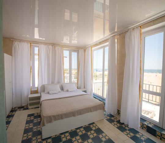 Полулюкс с панорамным видом на море