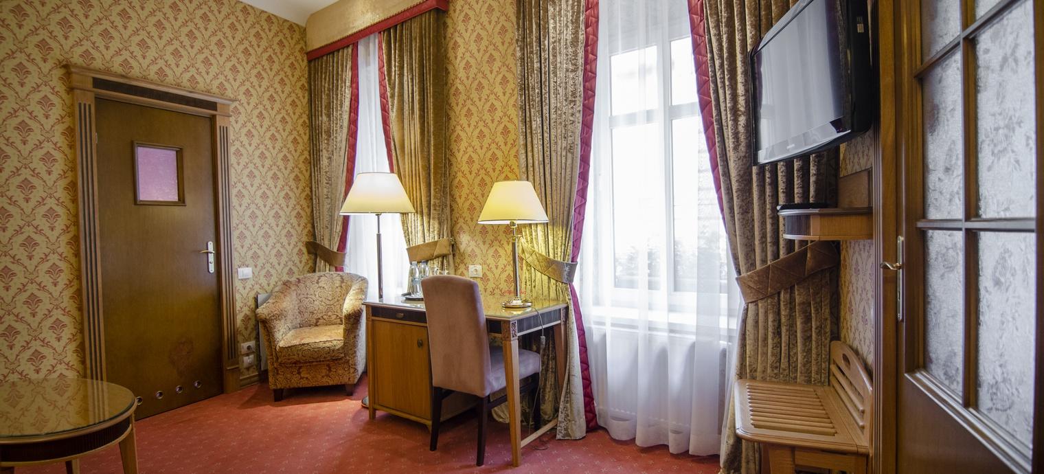 Luxury Suite. 5