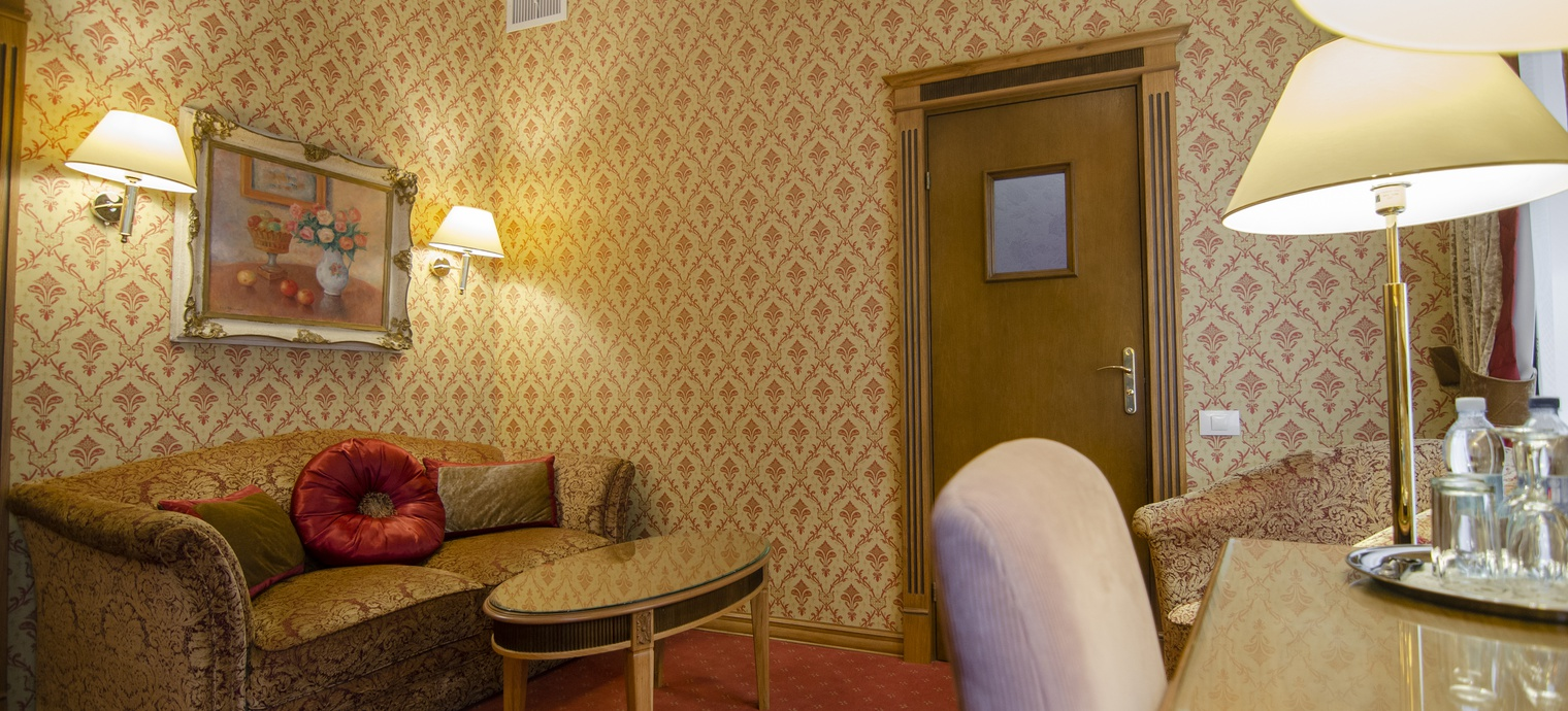 Luxury Suite. 3