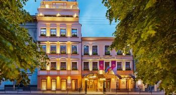 Львовян и гостей города приглашают на фестиваль «Ночь во Львове» в отель «Швейцарский», приуроченный ко Дню Независимости Украины