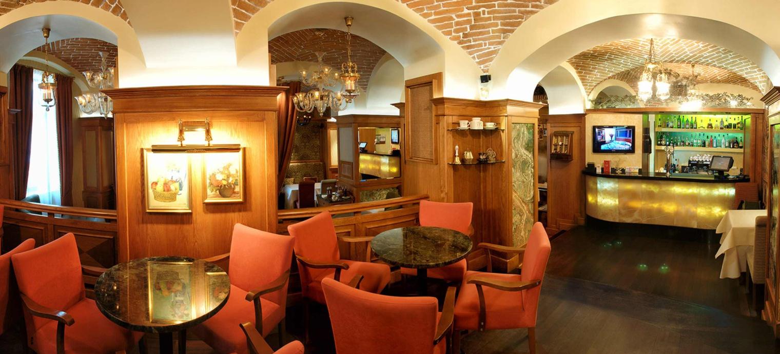Valentino restaurant. 1