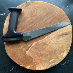 Køkkenkniv med vinklet greb