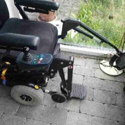 Jazzy El-kørestol i godstand sælges.