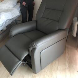 Elektrisk hvilestol (lænestol) med løftefunktion