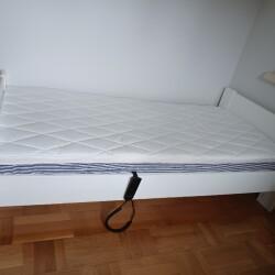 Brugt elevationseng med madrasser