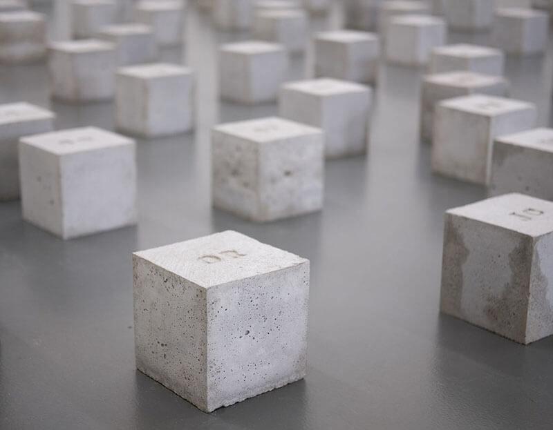 Grey cubes 800x623